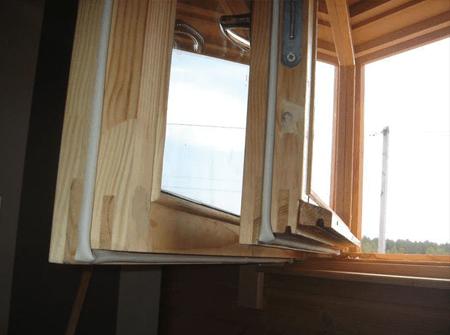Утепление деревянных окон по шведской технологии в СПб