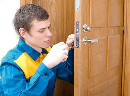 Ремонт дверей в Санкт-Петербурге