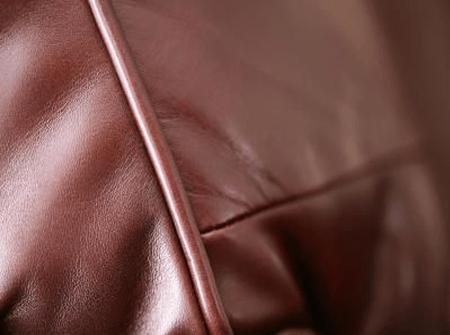Ремонт кожаной мебели в СПб
