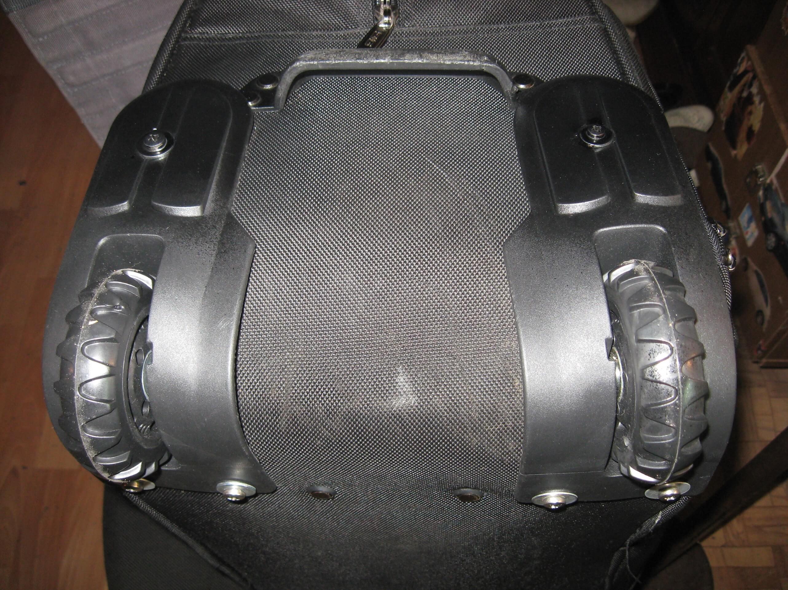 Ремонт дорожных сумок на колесах в СПБ