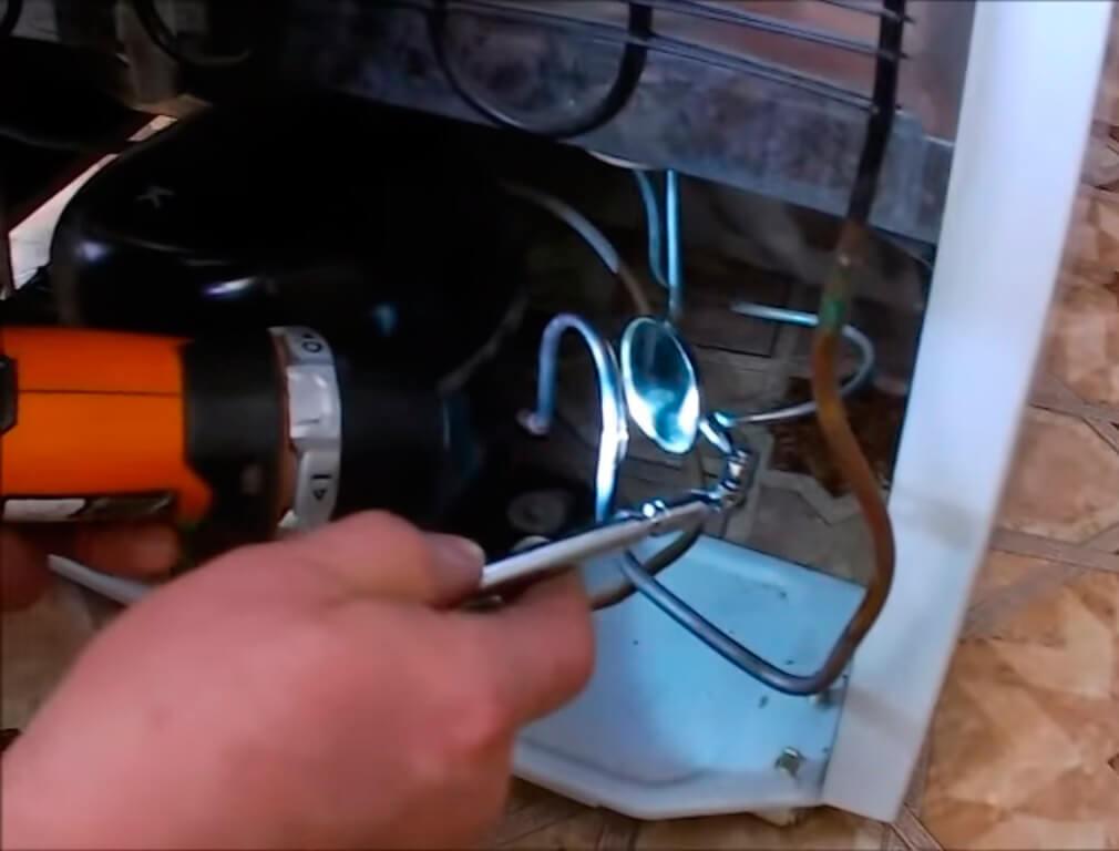 Устранение утечки газа в холодильнике