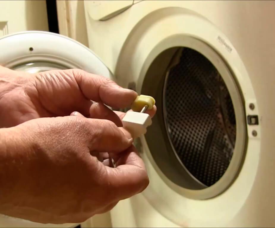 Ремонт ручки стиральной машины в СПб