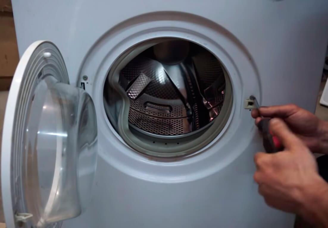 Ремонт замка стиральной машины в СПб