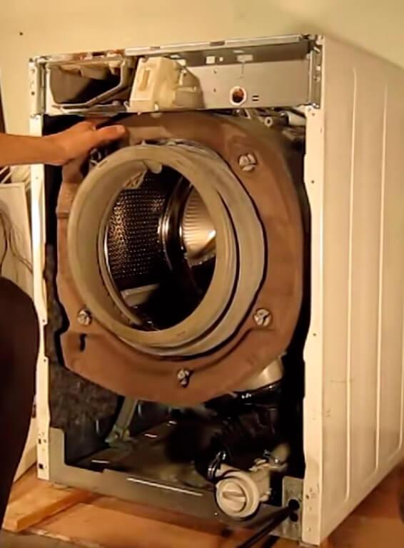 Замена уплотнительной резинки на стиральной машине в СПб