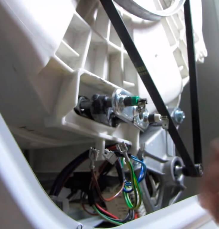 Замена тэна в стиральной машине в СПб