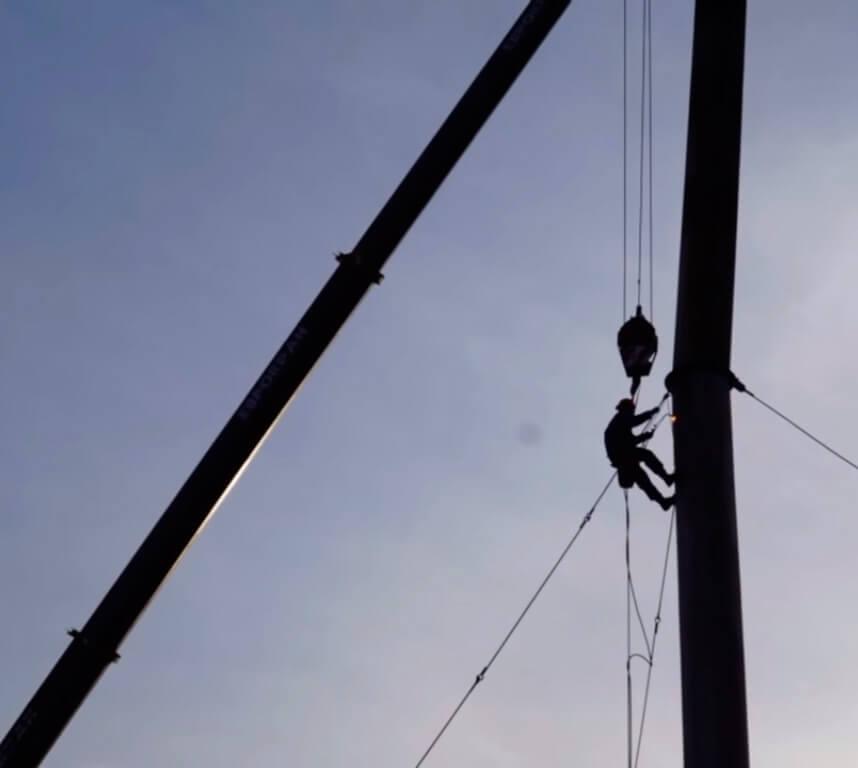 Монтаж дымовых труб методом промышленного альпинизма в СПб