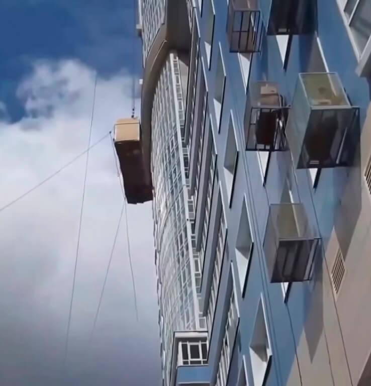 Подъем грузов промышленными альпинистами в СПб