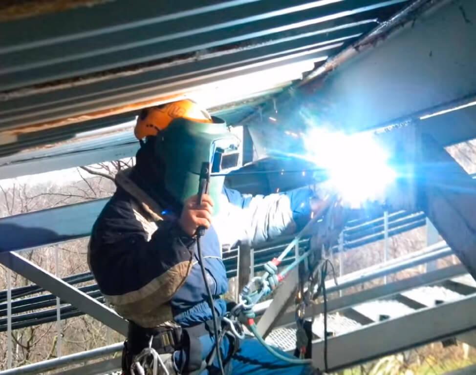 Сварочные работы методом промышленного альпинизма в СПб