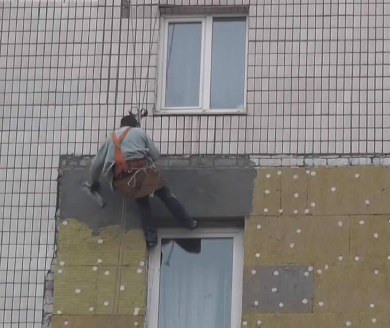 Фасадные работы методом промышленного альпинизма в СПб