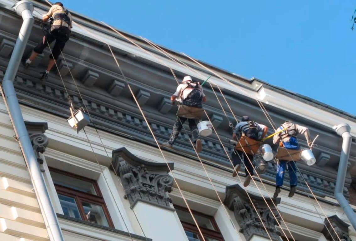 Малярные работы на высоте в СПб
