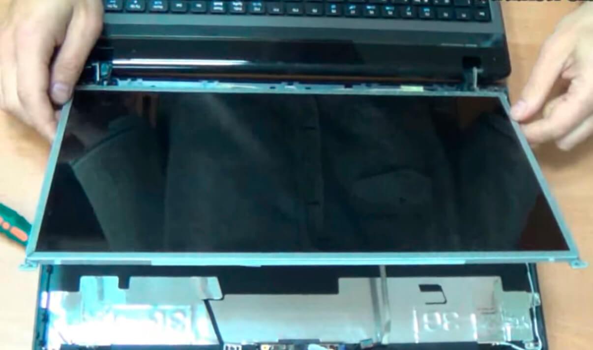 Ремонт и замена монитора (экрана) ноутбуков в СПб