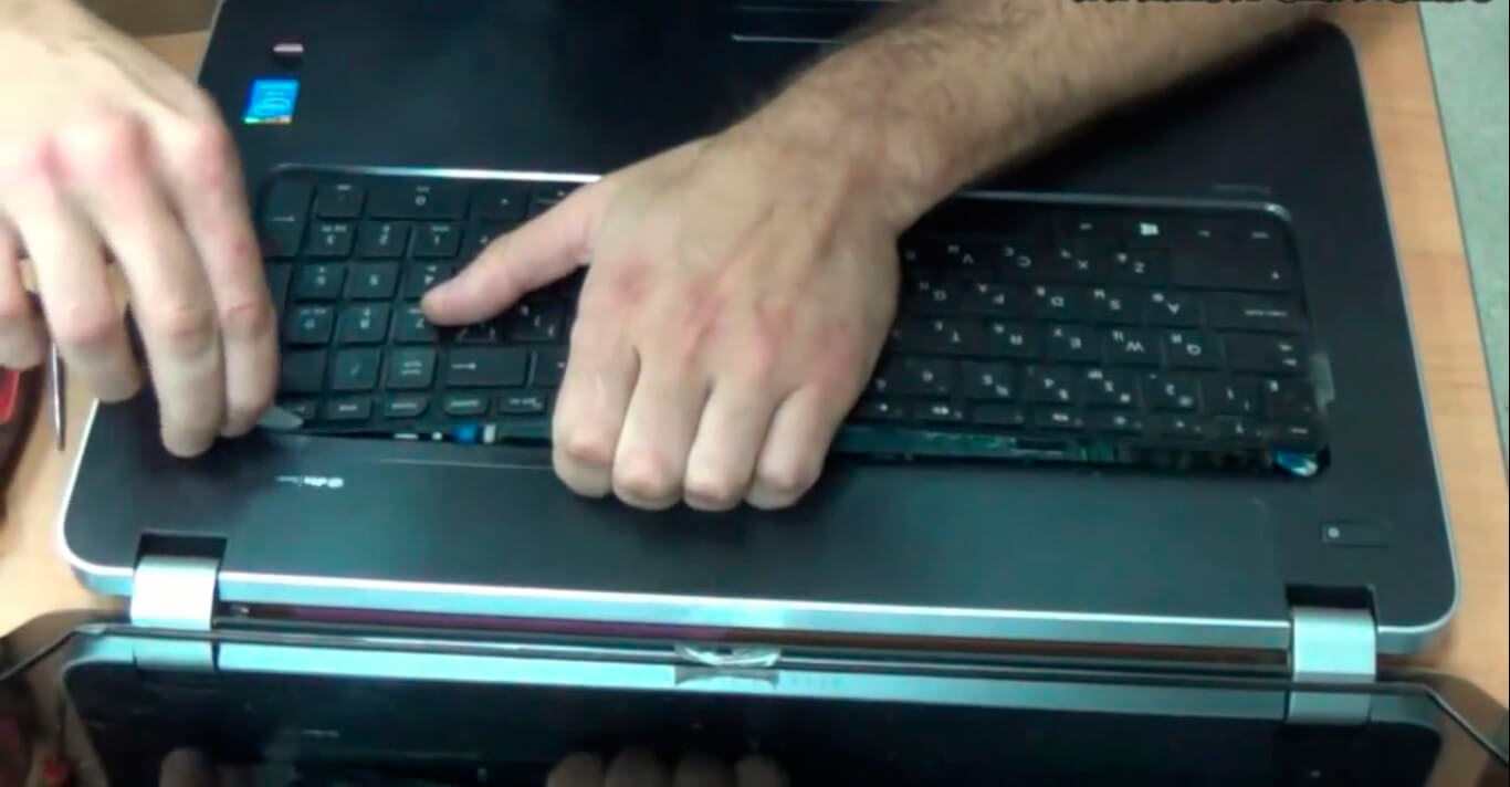 Замена клавиатуры на ноутбуке HP в СПб