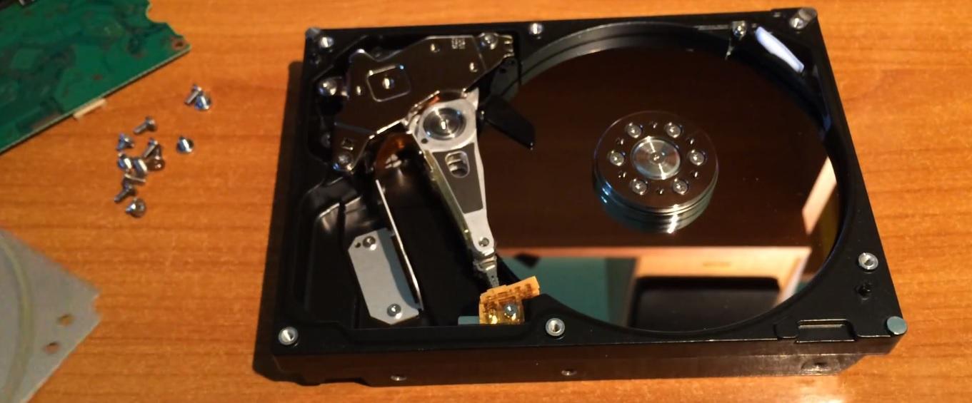Восстановление жесткого диска Hitachi в Санкт-Петербурге
