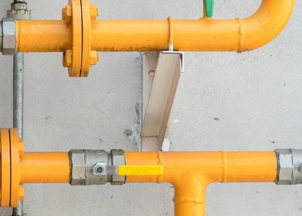 Газовые трубы и вентиляция