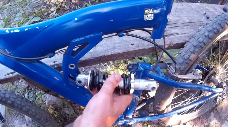 Ремонт заднего амортизатора велосипеда