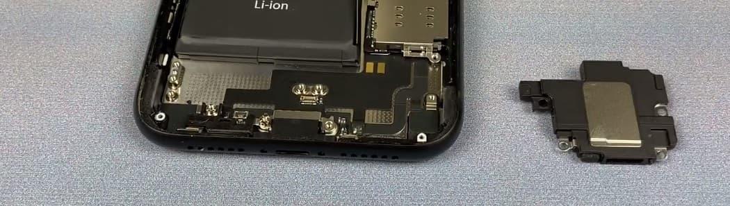 Замена динамика iPhone XR