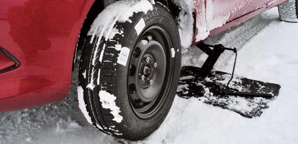 Срочное устранение прокола колеса на дороге